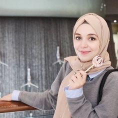 Love it Glamorous - Pemuja Wanita Muslim Girls, Muslim Women, Honda Civic 2004, Medical Quotes, Hijabi Girl, Modest Outfits, Girl Pictures, Hijab Fashion, Beautiful Women