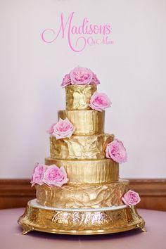 Featured Wedding Cake: Madison's on Main; Editor's Pick: Beautifully Embellished Wedding Cakes in Fresh New Ways. http://www.modwedding.com/2014/08/30/wedding-cake-inspiration/ #wedding #weddings #wedding_cake Featured Wedding Cake: Madison's on Main