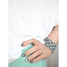 nail art mint geometric