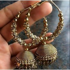 is k kundey Indian Jewelry Earrings, Jewelry Design Earrings, Gold Earrings Designs, Indian Wedding Jewelry, Bridal Jewelry, Jewelery, Silver Jewelry, Silver Rings, Necklaces