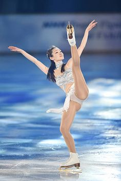 Gymnastics Pictures, Sport Gymnastics, Shizuka Arakawa, Sexy Golf, Beautiful Athletes, Cute Japanese Girl, Yoga Dance, Olympic Athletes, Women Figure