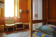 Sypialnia  http://www.rainbowapartments.pl/pokoj-zolty/