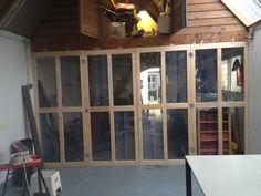 Tweedehands plexiglas tussen op maat gemaakte deurstijlen (4 stuks). Windows, Atelier, Ramen, Window