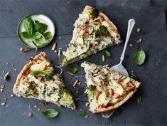 AURA parsakaali-pekonipiiras Something Sweet, Sweet And Salty, Avocado Toast, Vegetable Pizza, Sandwiches, Bread, Baking, Breakfast, Recipes