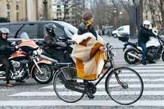 STREET STYLE- Couture Shows fashion freaks