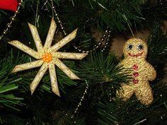 handmade christmas tree crafts pasta snowflake gold paint