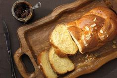 Melkbrood Piece Of Bread, Group Meals, Bread Recipes, Buffet, French Toast, Menu, Baking, Breakfast, Desserts