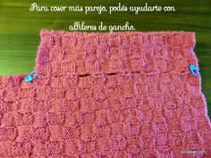 Ponchito Tejido A Dos Agujas – Alicia's Own Picnic Blanket, Outdoor Blanket, Knit Baby Dress, Baby Knitting, Origami, Baby Winter, Knitted Shawls, Cowl, Long Scarf