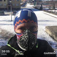 Krótka przerwa w pracy, żeby złapać trochę tlenu, śłońca i sprawdzić jak radzi sobie maska #respro w najgorszych smogowych zakamarkach miasta.. sobotnia 18tka rozbiegana.. nogi chciały więcej, ale nie ma zmiłuj trza pracować:). Zimo trwaj:)  #running #runner #bieganie #biegambolubie #instarun #zima #cinqro #winterrun #pizdzi #trening #garmin #brooks #kalenji #attiq #swimbikerun #asicsfrontrunnerpolska #imoveme