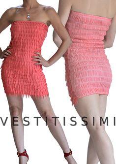Vestitino sexy corto elasticizzato con fantasia sbarazzina colore rosa salmone