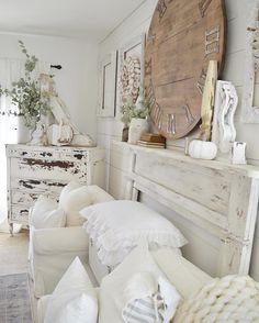 How to paint a chippy mantle, home decor, wall clock