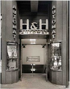 Wish I could have gone to an automat, I missed that fun and funny 30's phenomenon.
