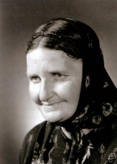 Lien vers une interview très complète de Maria Simma, âme qui avait une mission privilégiée auprès des âmes du Purgatoire: son témoignage à lire ici: http://www.forum-religion.org/jugement/dernieres-revelations-a-maria-simma-ames-du-purgatoire-t25559.html