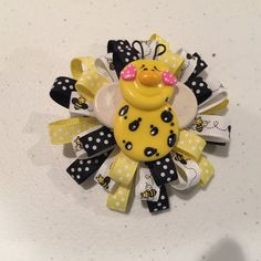 Bumble Bee Hairbow, Loopy Hairbow with Bumble Bee Charm, Girls Hairbow, Girls Summer Hair bow, Baby Bow