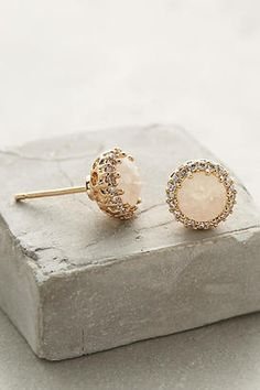 Anthropologie Aludra Posts