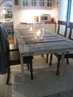 How to Make a Dining Table out of a old Door - Furniture Refurbishment - Door Design Old Door Tables, Door Dining Table, Make A Table, Diy Table, Old Door Projects, Door Furniture, Old Doors, Farmhouse Table, Decoration