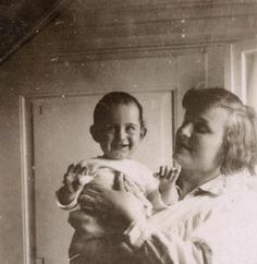 Little Anne Frank. What a cutie she was!