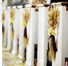 Wheat bunches as aisle decoration