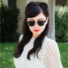 Love this 40's hairstyle for spring!