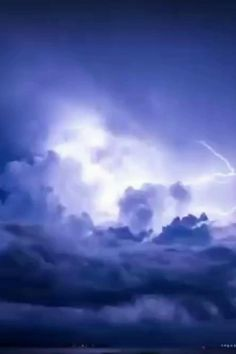 Lightning Photography, Storm Photography, Landscape Photography, Photography Basics, Scenic Photography, Aerial Photography, Landscape Photos, Beautiful Nature Wallpaper, Beautiful Landscapes