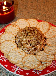 Easy Holiday Appetizers – This super easy cheese ball recipe is perfect for your… appetierz non dairy appetierz slow cooker Holiday Snacks, Holiday Appetizers, Holiday Recipes, Easy Starters, Cheese Ball Recipes, Meat Appetizers, Easy Cheese, Xmas Food, Balls Recipe