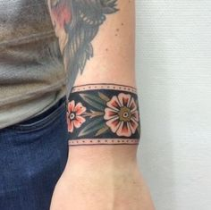 What does cuff tattoo mean? We have cuff tattoo ideas, designs, symbolism and we explain the meaning behind the tattoo. Arm Cuff Tattoo, Wrist Band Tattoo, Tattoo Dotwork, Tattoo Bracelet, Wrist Tattoos, Body Art Tattoos, Tribal Tattoos, Sleeve Tattoos, Turtle Tattoos