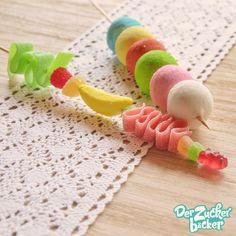 Süße Spieße, der perfekte Nachtisch für jeden Kindergeburtstag!