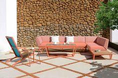 New Outdoor Lines Outdoor Lounge, Indoor Outdoor, Outdoor Living, Outdoor Decor, Guest Bedroom Office, Create A Family, Outdoor Brands, Contract Furniture, Outdoor Settings
