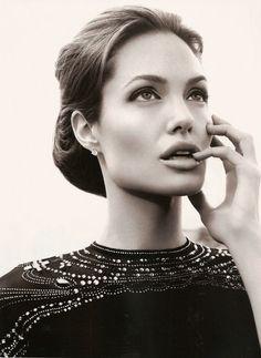 Angelina jolie beautiful person, beautiful people, most beautiful women, absolutely gorgeous, amazing Most Beautiful Women, Beautiful People, Beautiful Person, Stunning Women, Absolutely Gorgeous, Gisele Bündchen, Tilda Swinton, Jolie Photo, Celebs