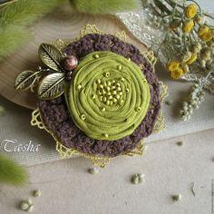 """Купить """"Зеленые оливки"""" брошь цветок - броши, брошь натуральные камни, брошь с камнями"""