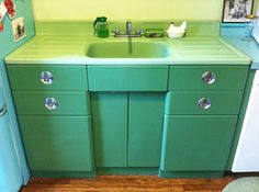 Vintage Metal Kitchen Cabinet | Vintage jadeite porcelain drainboard sink and metal sink cabinet