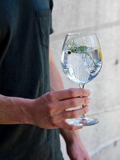 Home Bar: Spanish Gin Tonic Recipe
