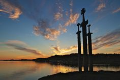 Sverd i Fjell by C. Mario del Río, via stavanger Stavanger Norway, Vikings, Mario, Beautiful Places, Explore, Country, Building, Nature, Travel
