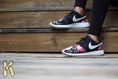 Nike-supremo-roshe-run-customs-by-kike-sanchez-05-570x379