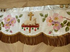 silk altar frontal antependium handpainted lamb of God agnus dei Antique French religious church liturgical fabric gold bullion fringe Teal Painted Furniture, Colorful Furniture, French Furniture, Catholic Gifts, Catholic Art, Before And After Diy, Altar Cloth, Altar Decorations, Gold Bullion