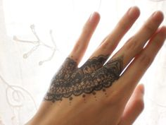 lace drawing on hand by ~Lacerare on deviantART