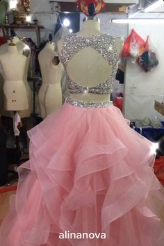 Butterfly Discover Two Piece Ball Gowns Prom Dresses 2020 alinanova pink prom dresses two piece ball gown 2020 Prom Dresses For Teens, Cute Prom Dresses, Sweet 16 Dresses, Party Wear Dresses, Pretty Dresses, Sweet Sixteen Dresses, Gowns For Girls, Girls Formal Dresses, Sexy Dresses