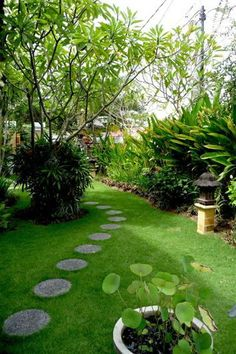 Beautiful garden at Villa Kupu-Kupu , Seminyak
