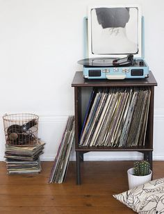 IKEA Hack: Record Player Stand - Nouvelle Daily