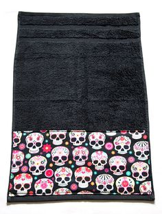 Black Day Of The Dead / Dia De Los Muertos Sugar Skulls Bath Towel by Pornoromantic