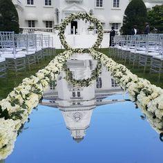 Engagement Decorations, Wedding Decorations, Aisle Decorations, Engagement Ideas, Church Wedding, Wedding Ceremony, Outdoor Wedding Aisles, Romantic Wedding Receptions, Wedding Arches