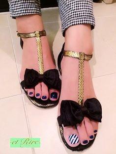 nail art design for toe nail, pedicure, navy blue, white, stripe #toenail #nailart