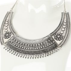 Collier plastron - Collection Bijoux - Pimkie France