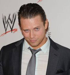 Happy 33rd birthday Mike 'The Miz' Mizanin !!!!! 10/08@mikethemiz