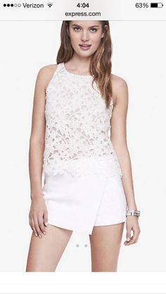 This top looks super cute for summer. Looks like a nice top for a date night dinner out
