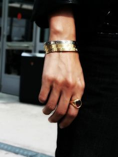 How To Wear Index Finger Rings
