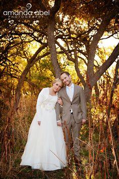 Fall Bride and Groom Photography | Utah Wedding Photographer | Bride and Groom | Amanda Abel Photography | www.amandaabelphoto.com #brideandgroomphotography