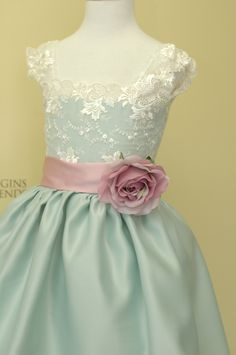 Vintage teal flower girl dress for a wedding with silk flowers. Ivory flower girls dress. White formal gown for special occasion.. $117.00, via Etsy.