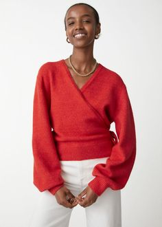 #andotherstories #knitwear #knits #sweaters #inspiration #fall #outfit #fashion Festival Chic, Red Cardigan, Knit Wrap, Fashion Story, Fall Looks, Stores, Who What Wear, Cropped Jeans, Personal Style