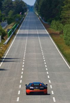 As good as life must get! A Bugatti Veyron and only straight road ahead. That Veyron will close that open road very fast. Bugatti Veyron, Bugatti Cars, Car Memes, Super Sport, Amazing Cars, Amazing Photos, Awesome, Fast Cars, Sport Cars